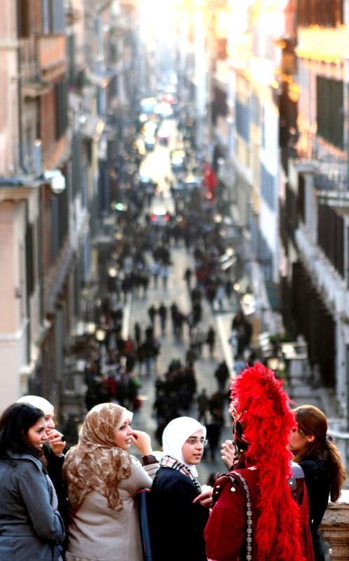 Centurian assists Muslim tourists