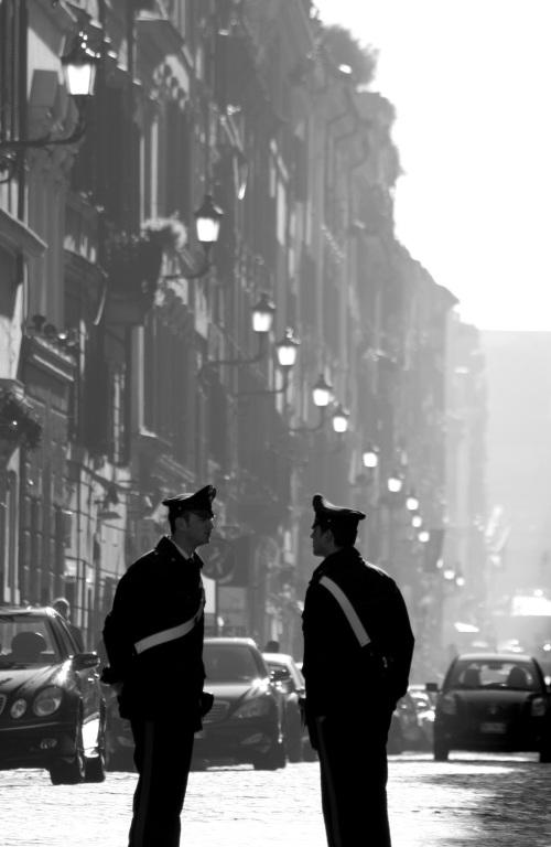 Carabinieri, off Piazza del Popolo