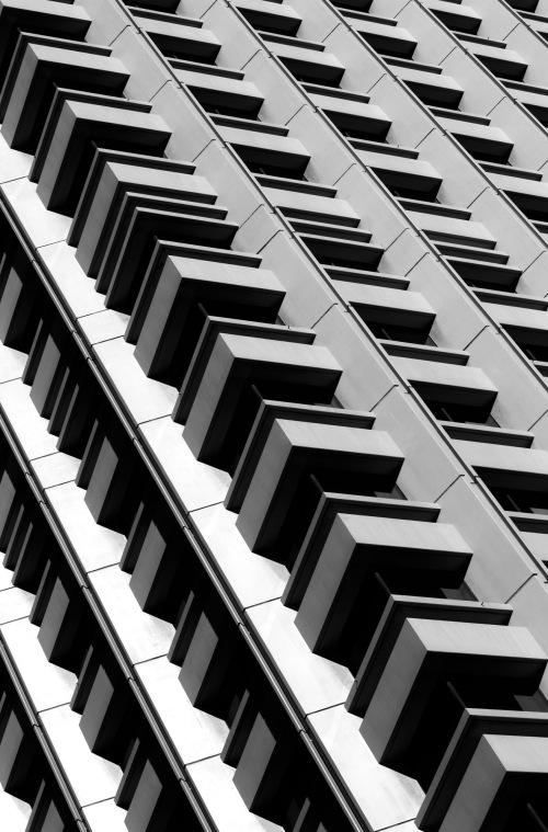 4016 City building