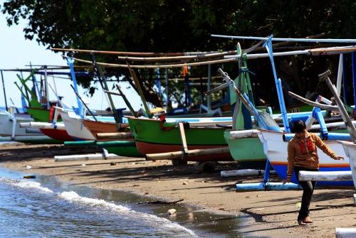 Lovina Beach boats
