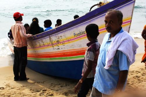 8403 Kerala beach scene