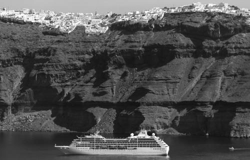 Fira, Santorini, B & W