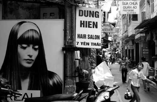 Dung Hien Hair Salon, Hanoi, July 6, 2009