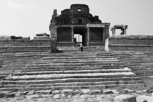 3044 Hampi temple