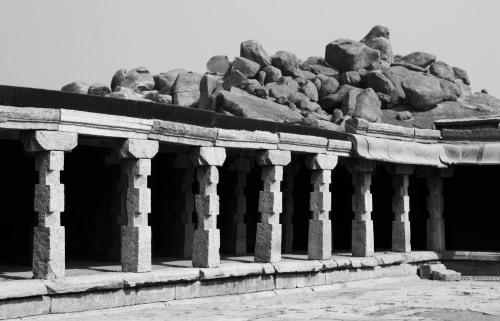 3083 Rocks and ruins