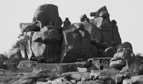 3746 Shrines on the rocks