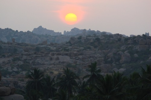 3897 Sunrise, Hampi