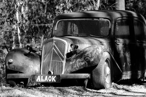 4333 Dead car