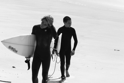 9167 Surfers