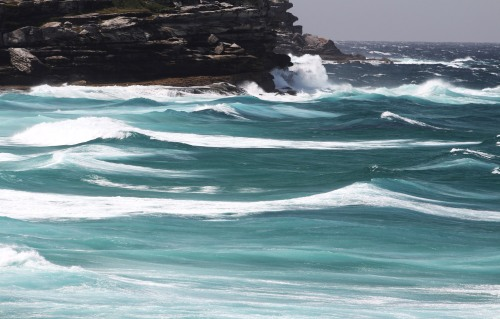 9343 Stormy swell 2